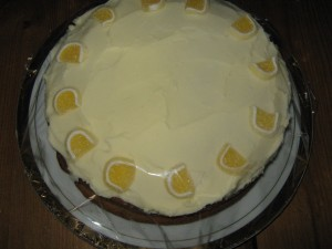 lemon cake - with butter icing and lemon curd